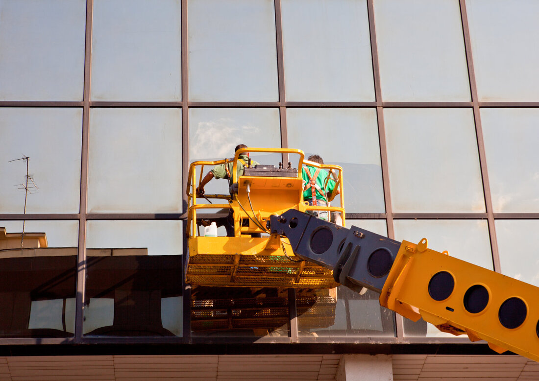 Professional Commercial Window Cleaning in North Bay